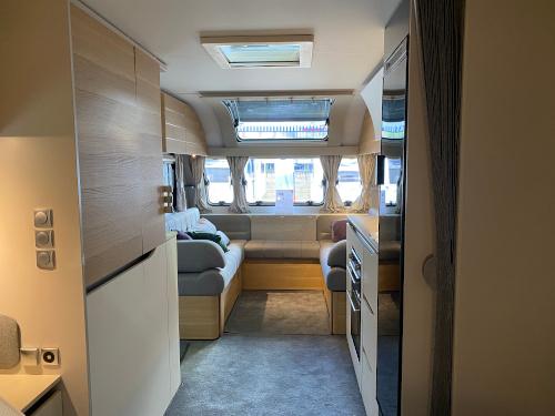 New look Adria Adora 2021 - Front
